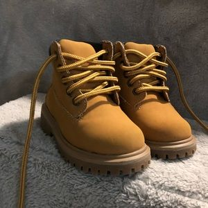 Other - 👶🏻Boots